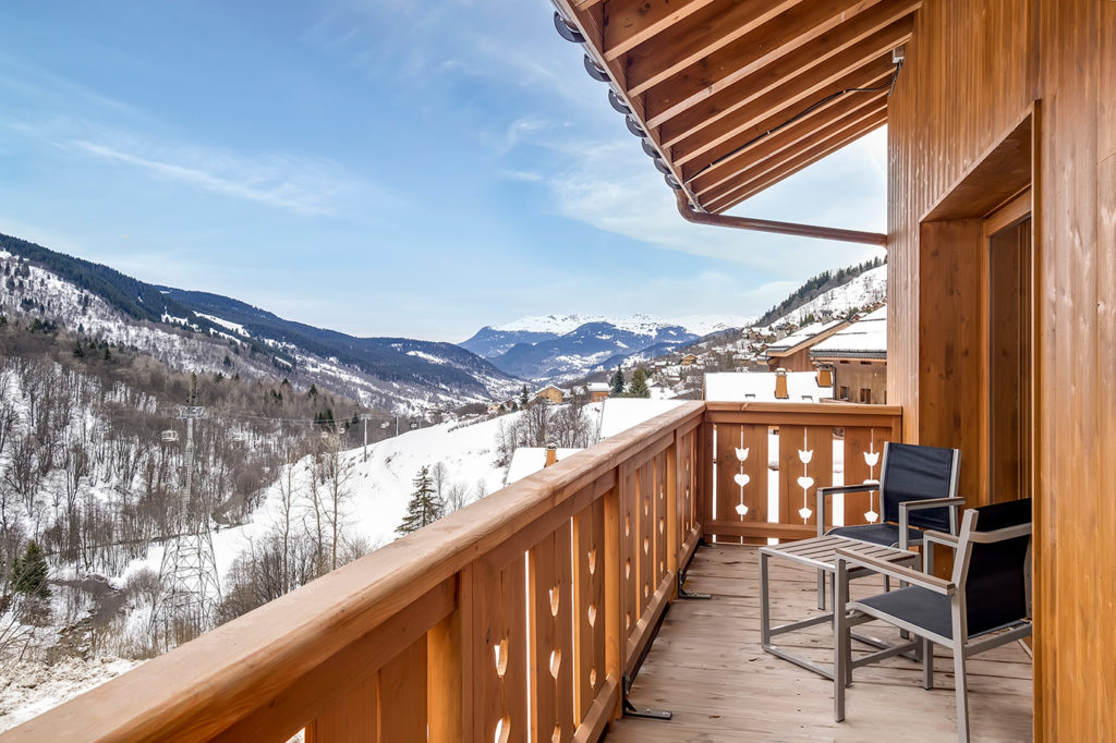 Picture of a balcony view at L'Hevana Meribel
