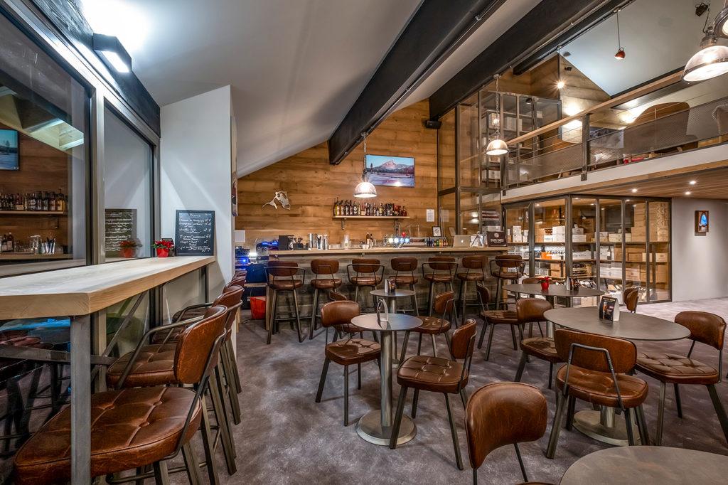 The bar at the L'Hevana Meribel