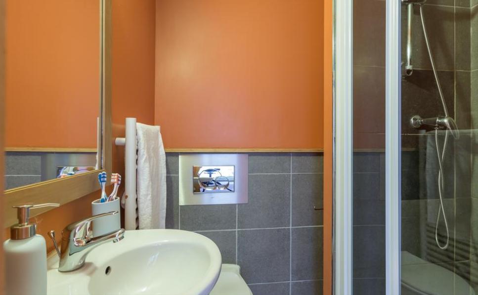 L'Ours Blanc bathroom