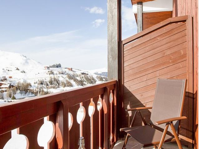 Image of the balcony of an apartment in Residence Le Mont Soleil in La Plagne Soleil