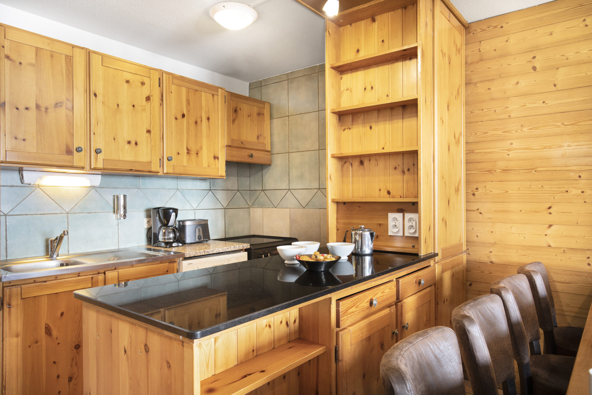 Image of the kitchen facilities in an apartment in Les Balcons de Val Thorens