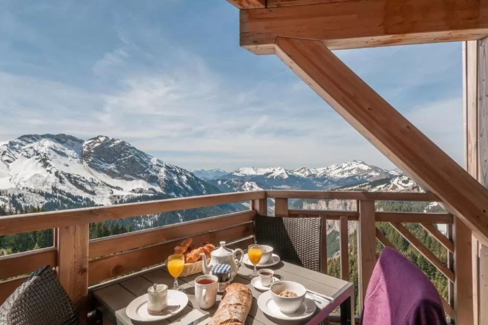 Picture of an apartment balcony view in L'Amara Avoriaz