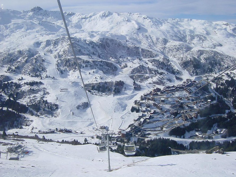 Meribel group ski holidays, image of slopes to Meribel