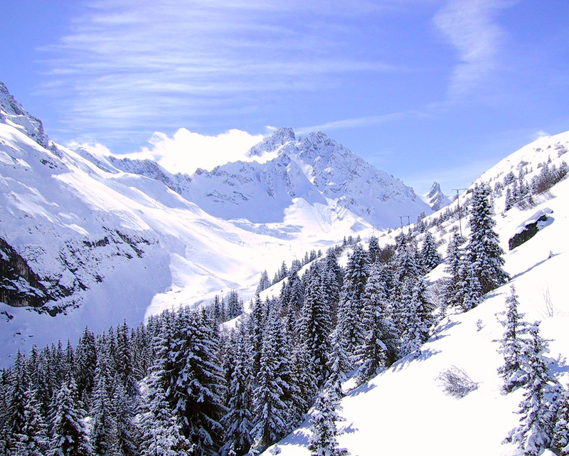 Meribel group ski holidays, image of mountains