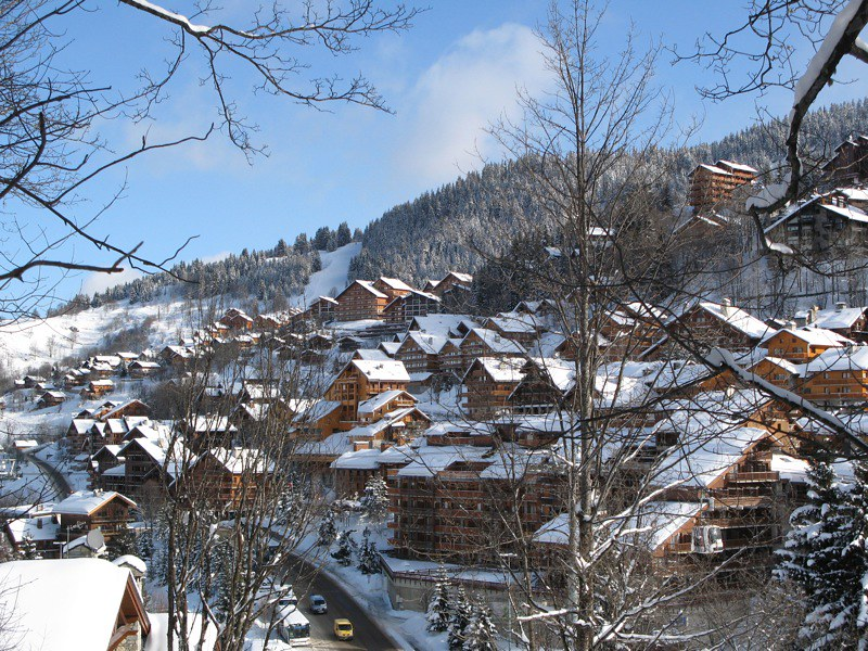 Meribel ski chalets - Image of the picturesque chalets in Meribel