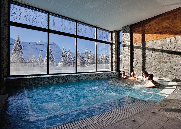 The hot tub at terrasses d'eos flaine