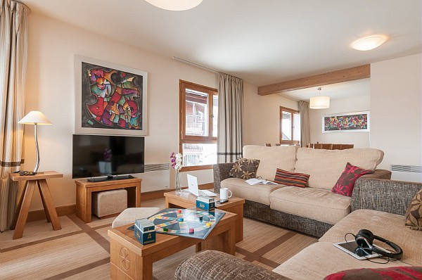 living area of an apartments at residnecs terrasses d'eos flaine