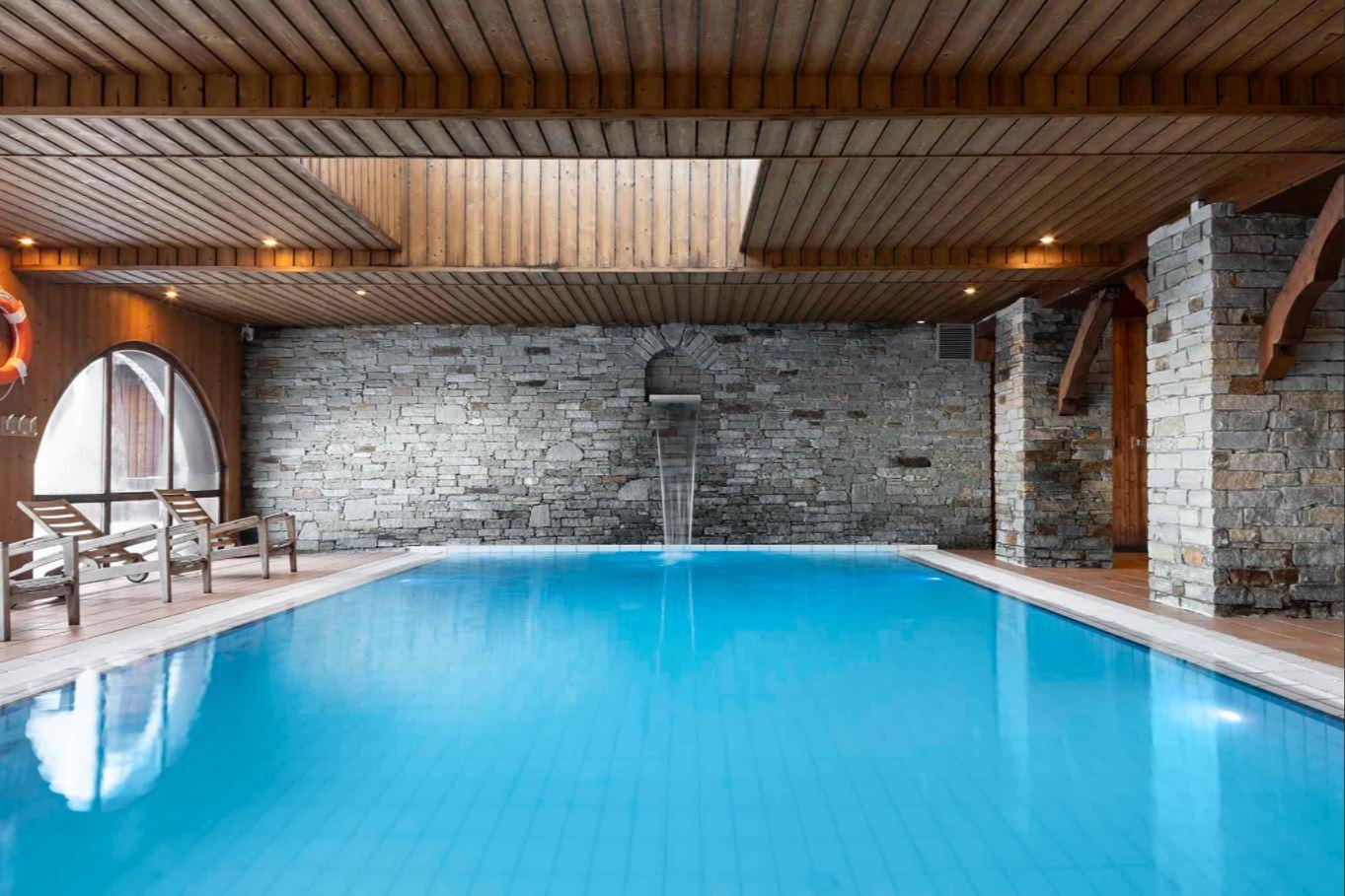The swimming pool at Les Balcons de Belle Plagne