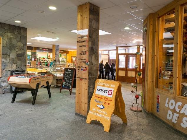 Ski hire shop at Residence Bellecote La Plagne