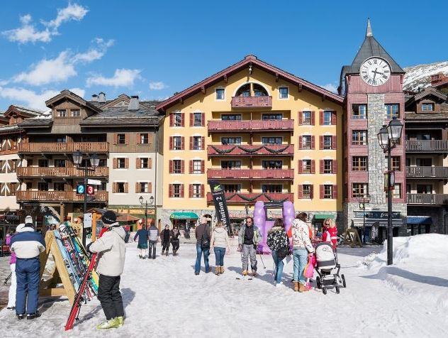 The main square at Arc 1950 Le Village