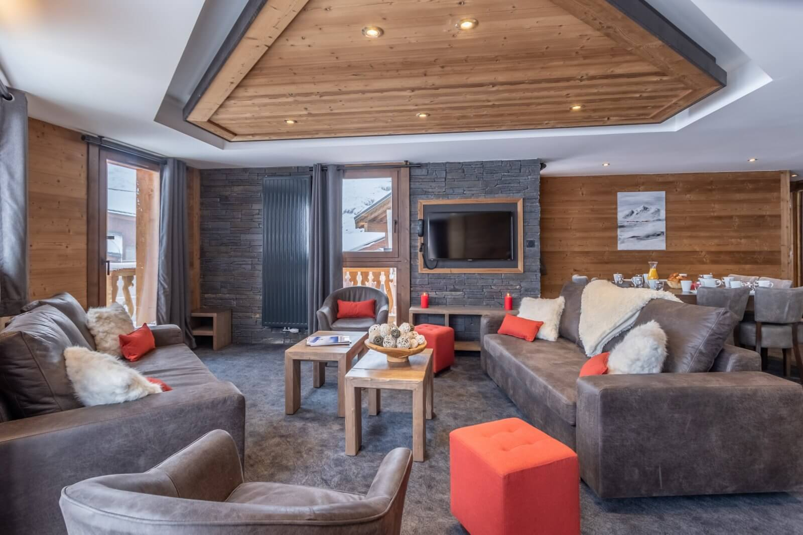 An image of the 10 person duplex apartment at Chalet Altitude Val Thorens