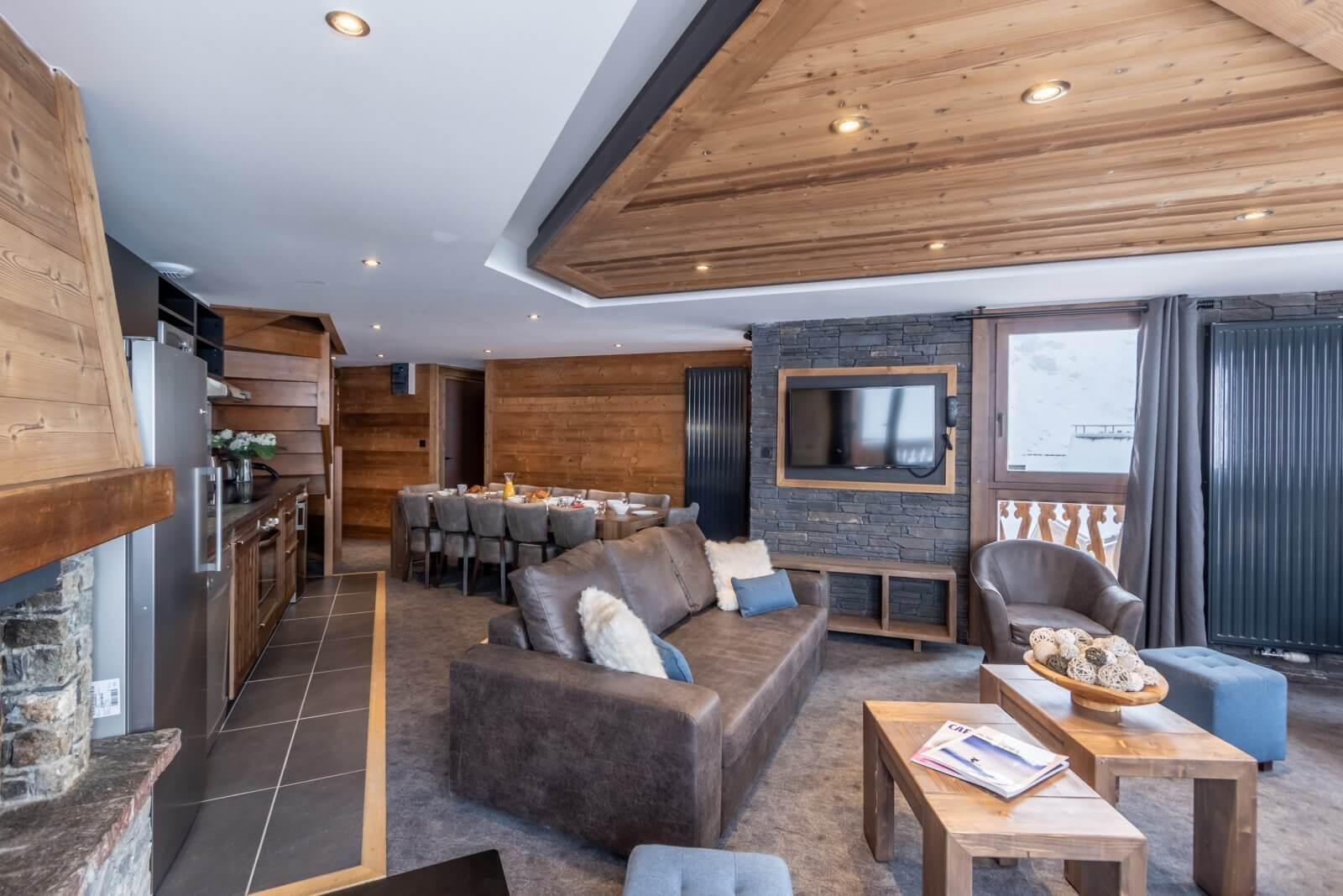 The 12 person apartment Chalet Altitude Val Thorens